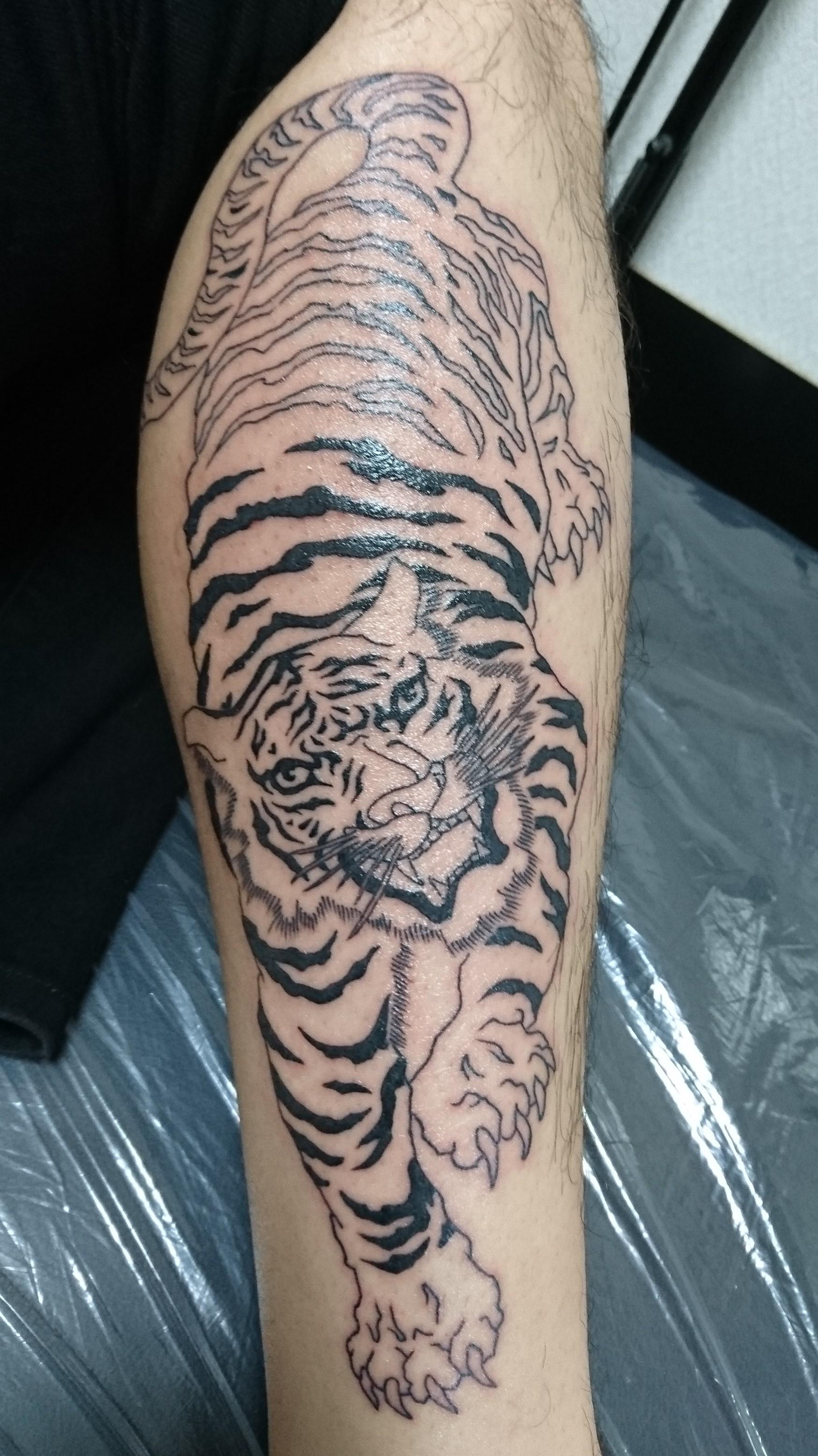 虎 タトゥー